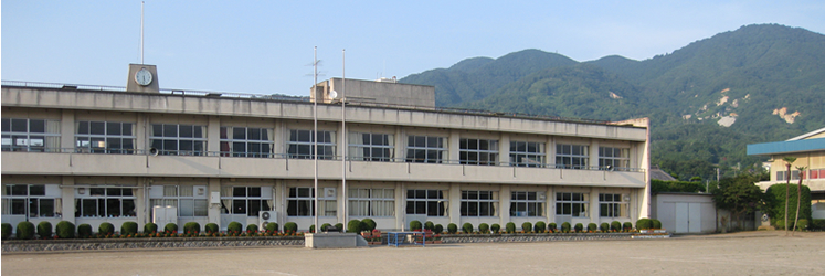 『『樺穂小学校 外観』の画像』の画像
